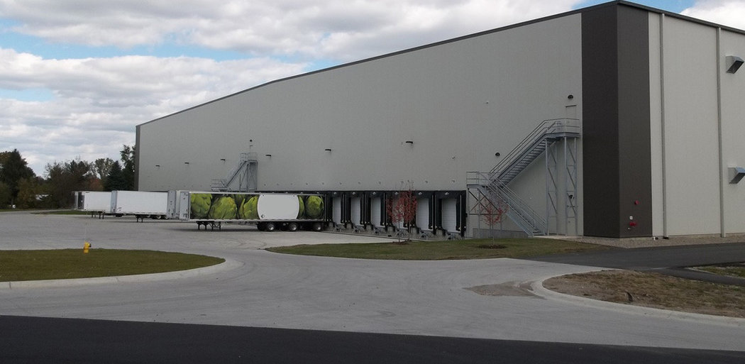 Dart Container Distribution Warehouse, Exterior Day - Plant City Fl